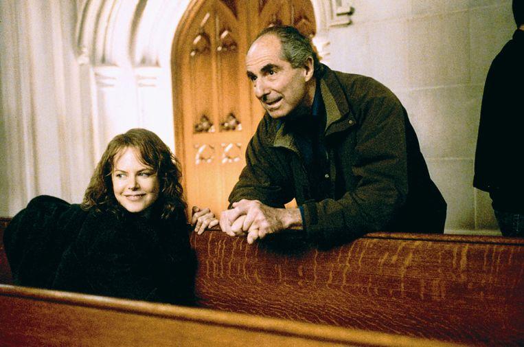 Philip Roth in 2003 met actrice Nicole Kidman, een van de vele vrouwen die hij probeerde te versieren. Beeld Alamy Stock Photo
