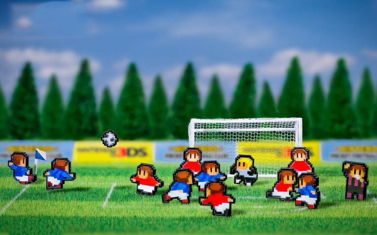 Oranje maakt er een potje van in Nintendo Pocket Football Club. Beeld ParityBit
