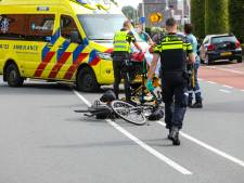 Fietser naar ziekenhuis na botsing met auto in Klarenbeek