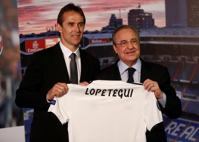 Julen Lopetegui bij zijn presentatie met Real Madrid-voorzitter Florentino Pérez.