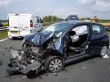 Bestuurder raakt ernstig gewond bij botsing op A27 bij Nieuwendijk, de weg is weer vrij