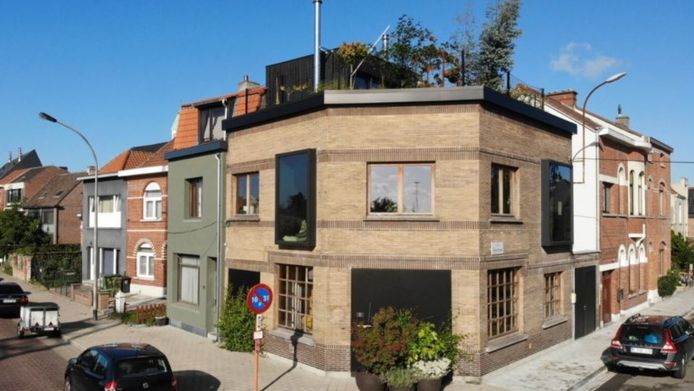 Waar vroeger café Buffalo was, is nu een moderne woning geworden.