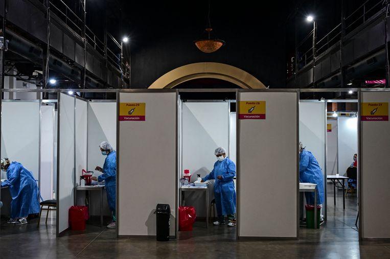 In Argentinië werken ze al met het door het Chinese bedrijf Sinopharm geproduceerde vaccin.  Beeld Hollandse Hoogte / AFP