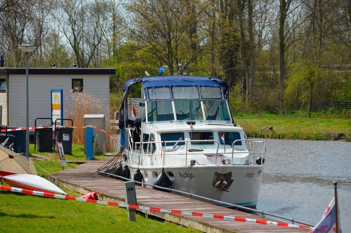 Het echtpaar kwam om het leven op een boot in Bolsward. Een Briels stel raakte onwel.