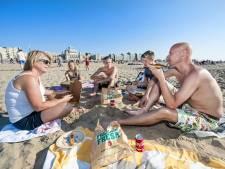 Rustig weekend op het strand voor reddingswerkers