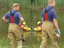 Brandweer keert vijver ondersteboven, 'vermiste' visser zit gewoon thuis