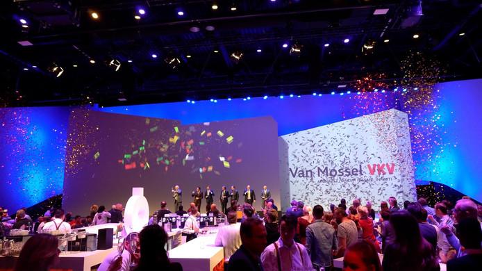Feest rondom de aankoop van VKV Groep door Van Mossel Automotive Groep