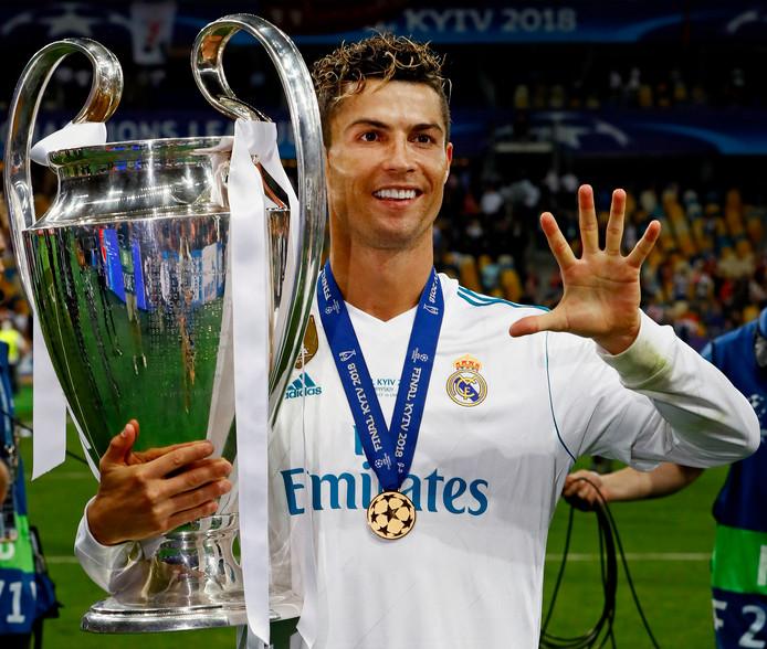 Ronaldo wint zijn vijfde Champions League-titel. Vier met Real Madrid en één met Manchester United.