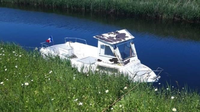 Doorbraak in reeks bootdiefstallen in IJzer: verdachten proberen gestolen boot online te verkopen maar... staan zelf op de foto's