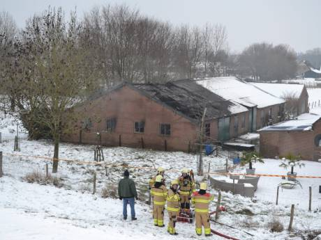 Drugsproductie mogelijk oorzaak van grote brand in schuur Doornenburg