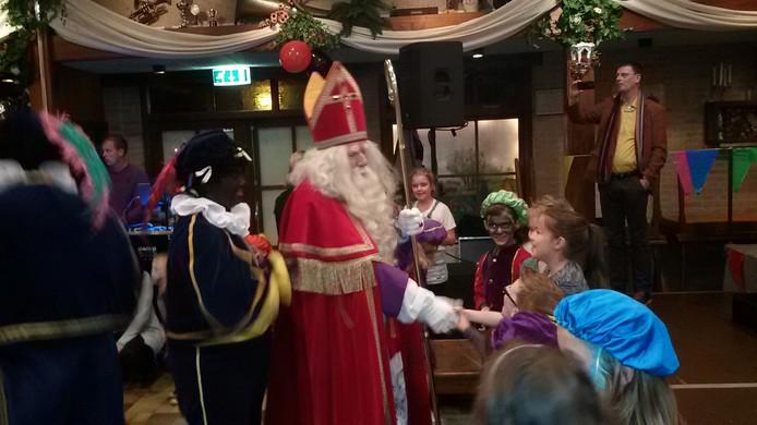 Sinterklaas werd ontvangen in De Schuif.