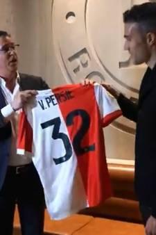 Van Persie krijgt zijn nummer 32 bij Feyenoord