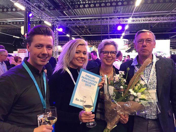 De familie Olthof is dolblij met het bereiken van de tweede prijs van de Tankstation Challenge 2019.