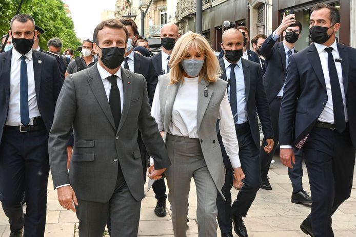 Emmanuel Macron accompagné de sa femme Brigitte à Valence, le 8 juin dernier.