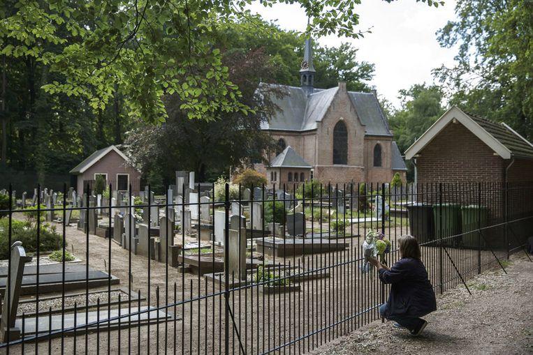 Beeld De begraafplaats bij Lage Vuursche, waar ook prins Friso begraven ligt.