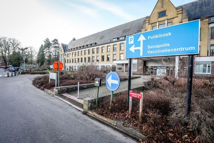 Het AZ Alma ziekenhuis te Damme Sijsele is het vaccinatiecentrum.