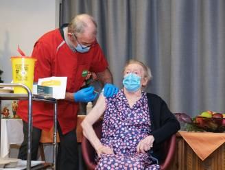 """Zuid-West-Vlaanderen nu al aan kaap van 5.000 gevaccineerden: """"Elke dag, elk uur telt om ons te beschermen tegen varianten"""""""