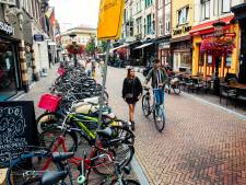 Hoe het Oudkerkhof in Utrecht veranderde in voetgangersgebied en gelijk allure inleverde