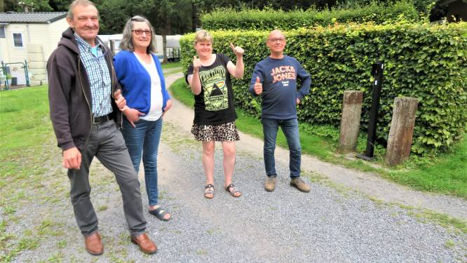 """Op Camping Visvijvers in Nukerke hebben Franky en Cathy uit Poperinge hun paradijs gevonden. """"Als een vaste gast op vrijdagavond niet opdaagt, is het via Whatsapp meteen van: waar zit je?"""""""