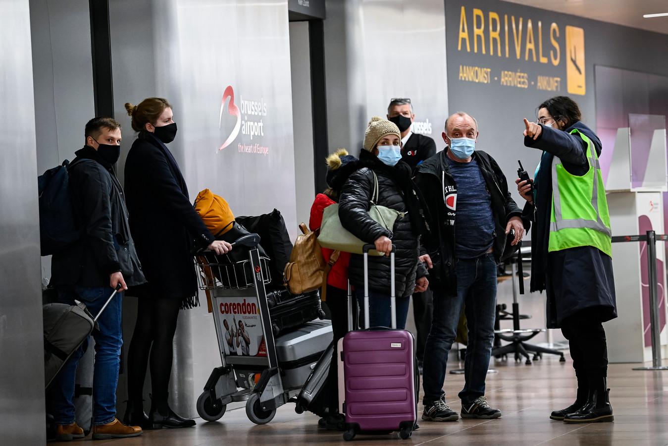 Aankomende reizigers laten zich testen op Brussels Airport