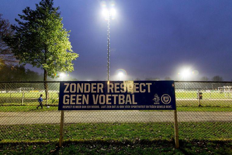 Yassine D. was 15 jaar toen hij eind 2012 tijdens een jeugdvoetbalwedstrijd betrokken raakte bij het doodschoppen van grensrechter Richard Nieuwenhuizen. Beeld anp