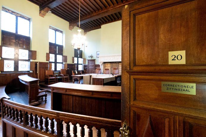 De correctionele zittingzaal in de rechtbank van Mechelen.
