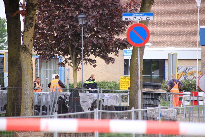 De Westerveenstraat in Nijkerkerveen is afgesloten vanwege het gaslek.