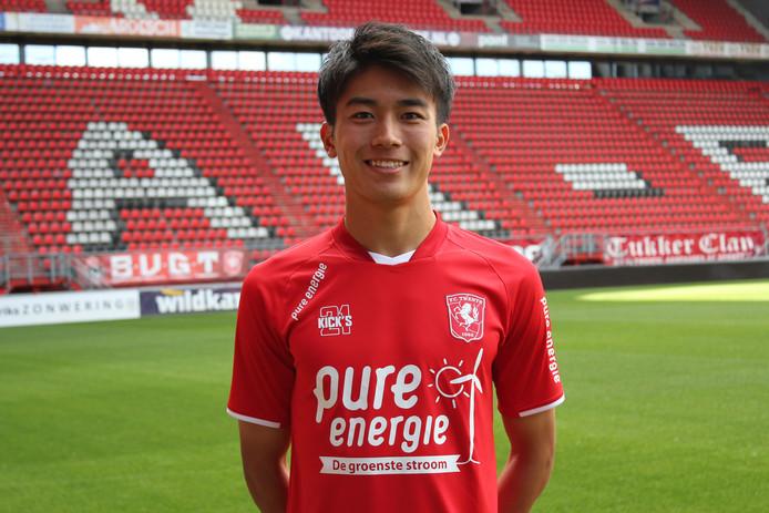 Keito Nakamura, de Japanse aanwinst van FC Twente, zette maandag voor het eerst voet in de Grolsch Veste.