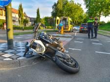 Motorrijder botst op auto en raakt zwaargewond in Valkenswaard