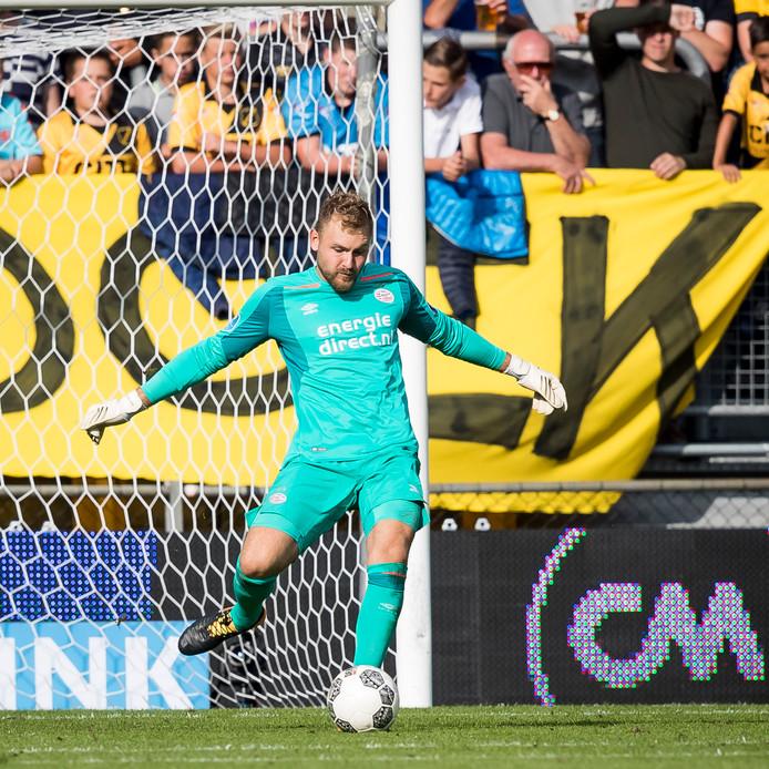 Jeroen Zoet in wedstrijd tegen NAC
