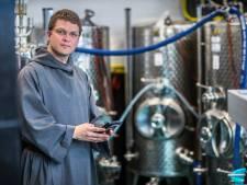 Reinkenstraat krijgt eigen straatbiertje gebrouwen door Kloosterbrouwerij Haagsche Broeder
