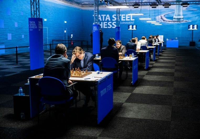 Genoeg ruimte voor de grootmeesters tijdens het schaaktoernooi in Wijk aan Zee. Challengers en amateurs zijn er dit jaar niet bij. Beeld Jiri Büller / de Volkskrant