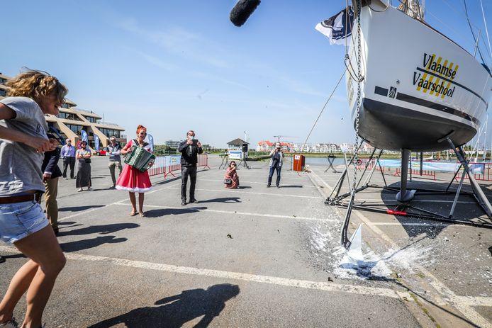 De doop van zeilboot Imke in Nieuwpoort.
