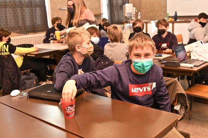 Via workshops leerden de eerstejaars onder meer wat ze moeten doen bij brandwonden.
