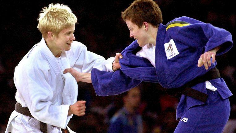 Ann Simons in actie tijdens de Olympische Spelen van 2000 in Sydney. Beeld belga