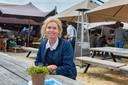 Nathalie van der Zee van paviljoen Het Houtse Meer. 'Helaas wordt het weer slechter. Net nu we open zijn.'