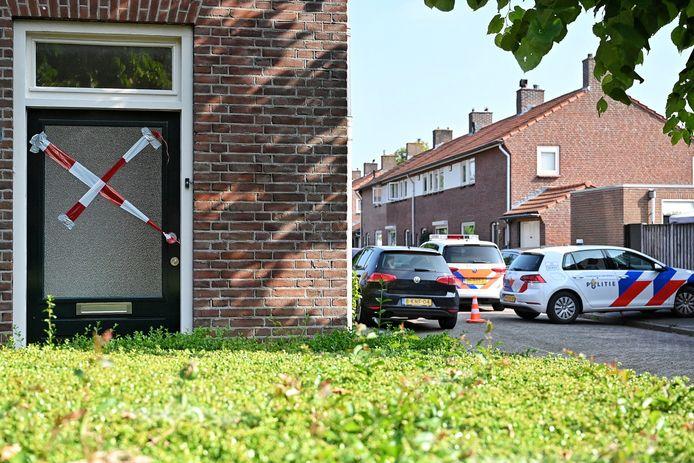 De stoffelijke overschotten zijn in een woning in Oisterwijk gevonden.