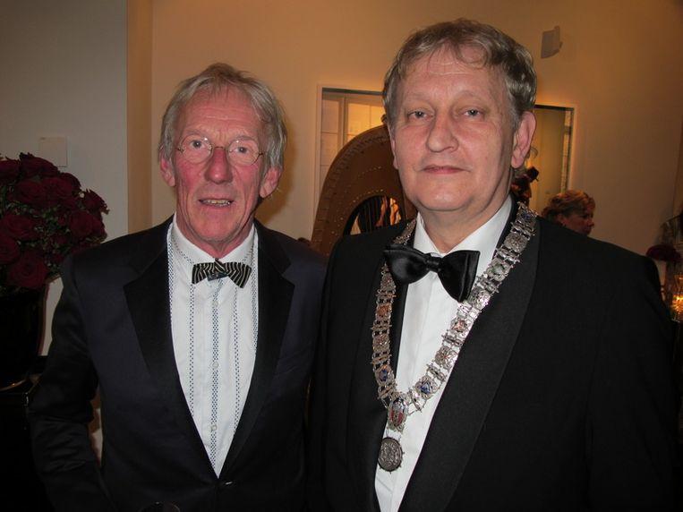 Wie is de burgemeester? Freek de Jonge (l) en Eberhard van der Laan. <br /><br /> Beeld