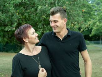 """Mama van boer Tristan wou niet dat haar zoon een man zocht op tv: """"Al die gaybashing... We wilden hem beschermen"""""""
