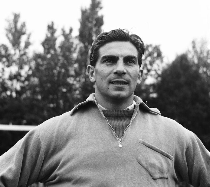 Frans de Munck (1922), de Zwarte Panter, doelman in het Nederlands elftal. Hij kwam 31 keer uit voor Oranje.