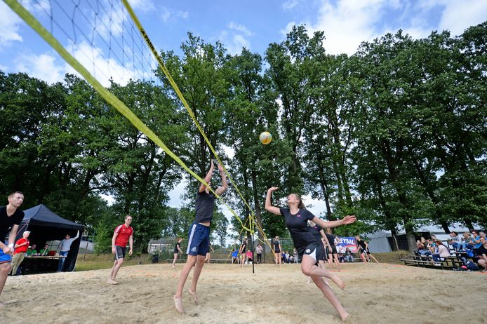 De Veldmaat Bruist is afgelast, mogelijk wordt er eind juni wel een beachvolleybaltoernooi gehouden.