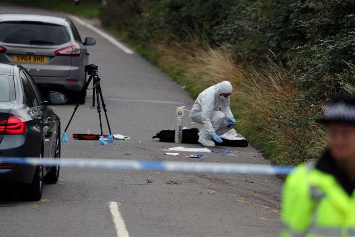 De politie doet onderzoek op de plek van de aanrijding.