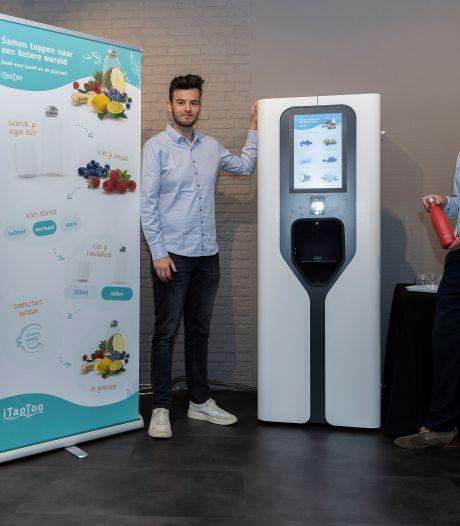 Smaakwater tappen tegen plastic afval: hoe een idee van Eindhovense studenten uitgroeit tot een serieus bedrijf