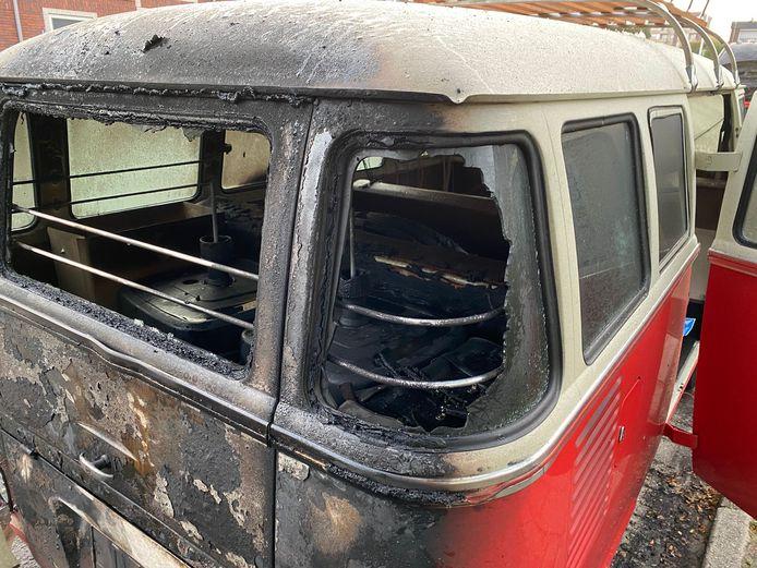 De achterkant van het Volkswagenbusje