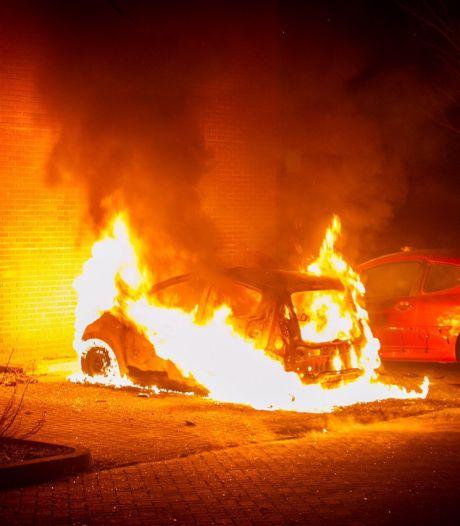 Rellen nieuwjaarsnacht Ede waren voorbereid: relschoppers verstopten vuurwerk als munitie