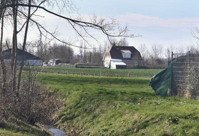 Bouwgrond naast het korfbalveld voor fase 1 van de uitbreiding van Sint Laurens.