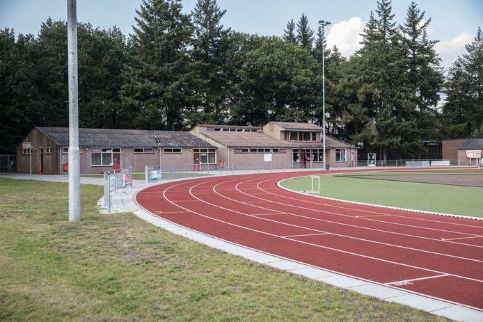 Het beoogde buizentracé voor het transport van gevaarlijke stoffen ligt bij sportpark Molenven in Stiphout over een deel van de atletiekbaan van HAC.