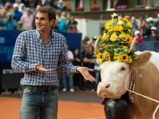 Federer confond une hôtesse avec... une vache