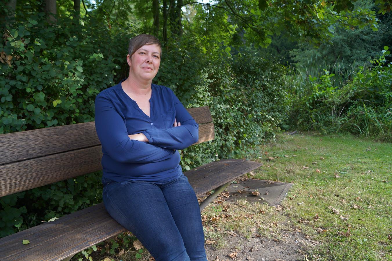 """Eveline Van De Ginste bleek bij een priktest allergisch te reageren op alle coronavaccins. """"In het slechtste geval kan ik overlijden."""""""