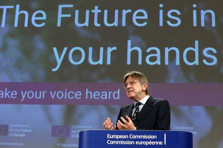Guy Verhofstadt, lid van het Europees Parlement, in Brussel tijdens een persconferentie over de Conferentie over de Toekomst van Europa. Beeld AP